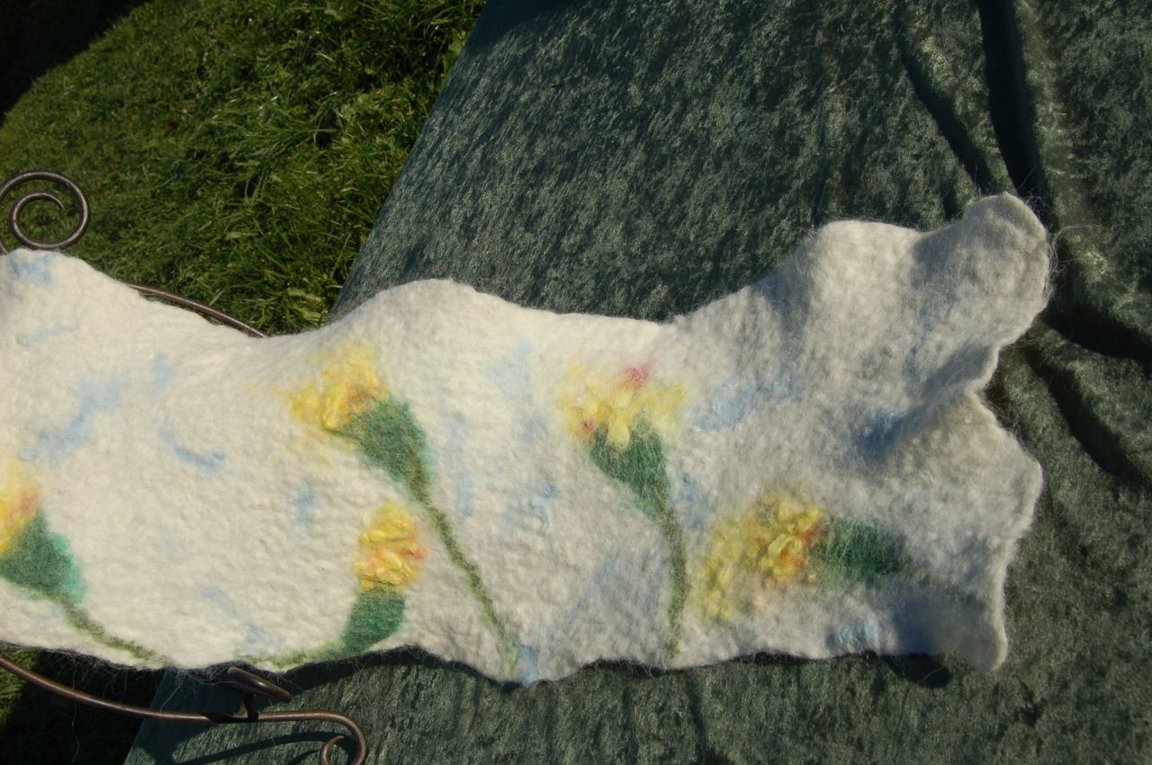 Alpaca Felted flower design scarf